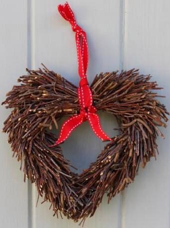 Heart_twig_wreath[1]
