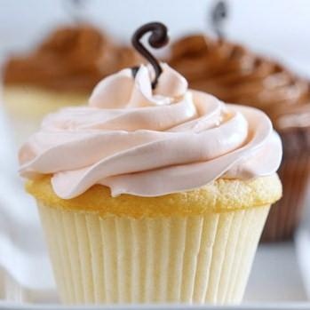 Signature%20buttercream%20cupcakes[2]